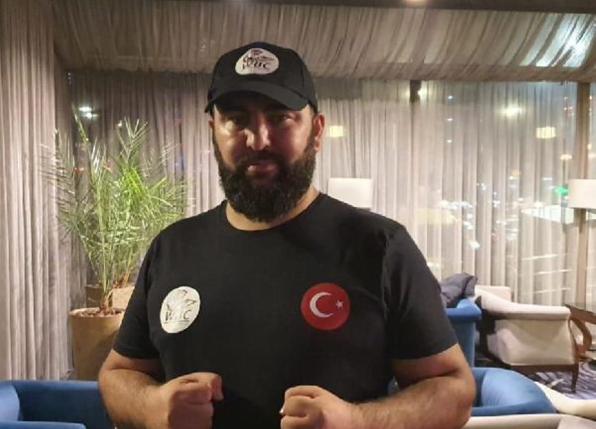 Serdar Avcı'nın rakibi sakatlandı, WBC kemer maçı ertelendi