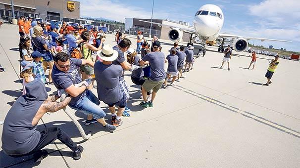 58 tonluk uçağı yardım için çektiler